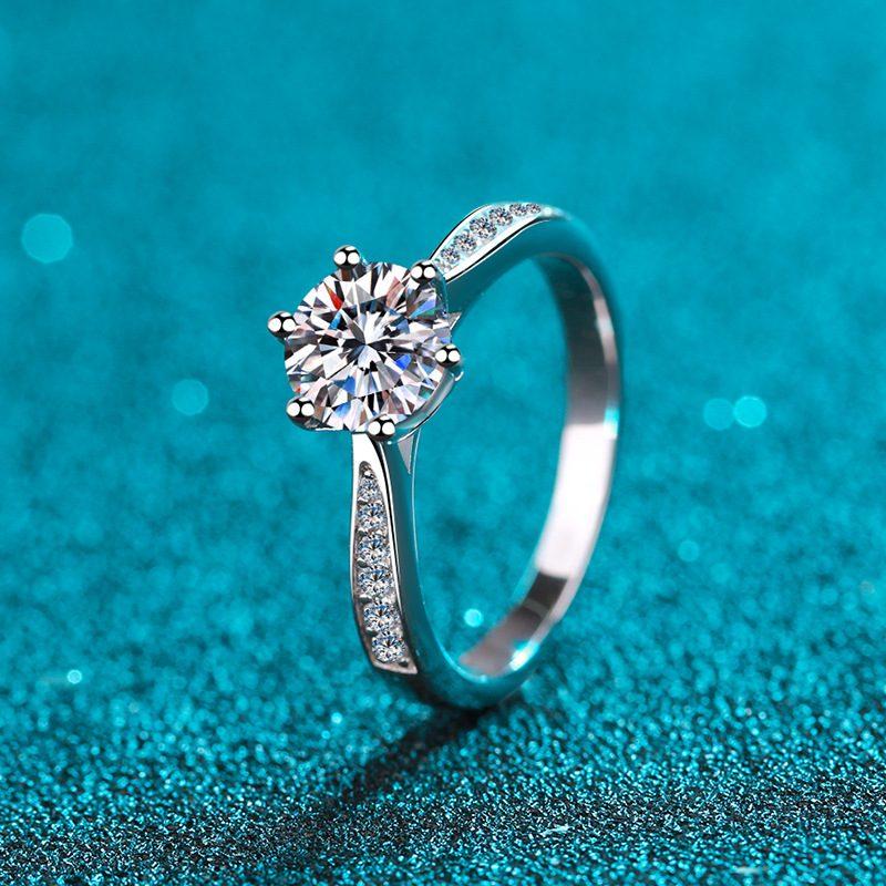 nhan-bac-925-dinh-kim-cuong-moissanite-1-carat