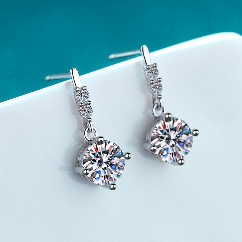 Bông tai bạc đính kim cương Moissanite 2 carat LILI_766432-01