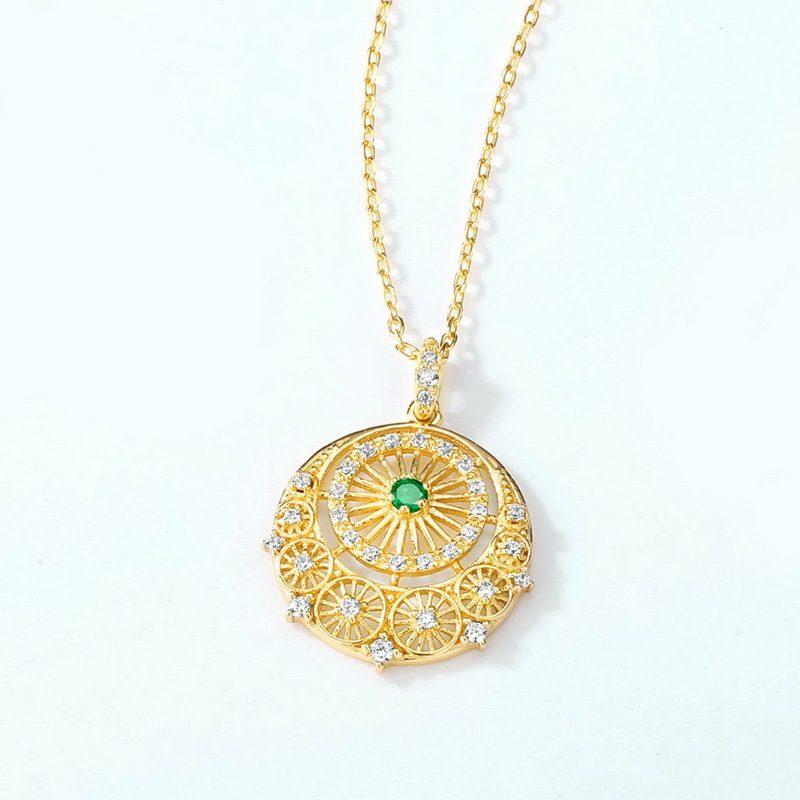 Mặt dây chuy�n bạc mạ vàng đính ng�c lục bảo LILI_148515-1