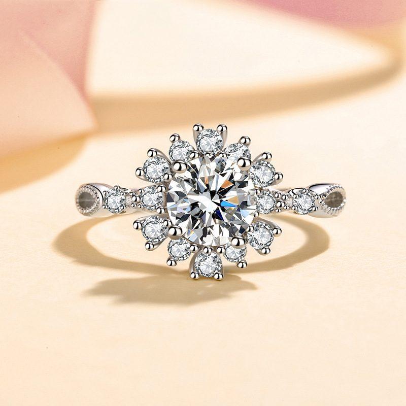 Nhẫn bạc đính đá Mossanite hình bông hoa LILI_364719-01