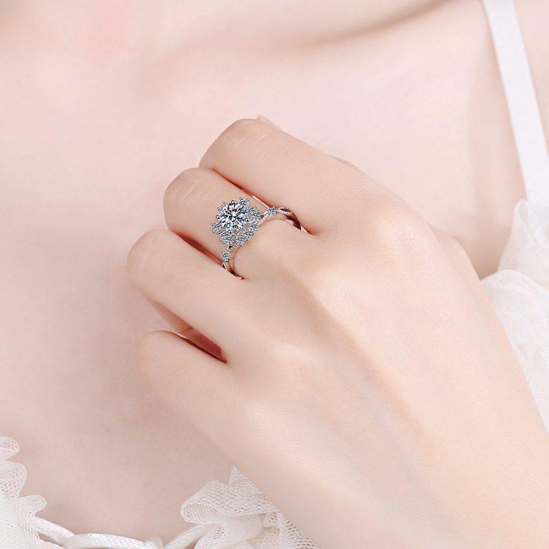 Nhẫn bạc đính đá Mossanite hình bông hoa LILI_364719-04