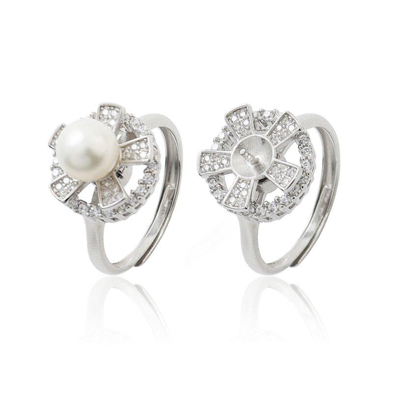 Nhẫn bạc đính ng�c trai hình cánh hoa xoay tròn LILI_821226-03