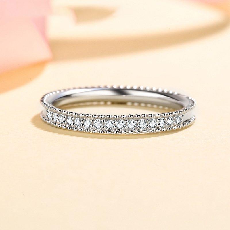 Nhẫn bạc mạ bạch kim đính đá Mossanite 0.15 carat LILI_627394-01
