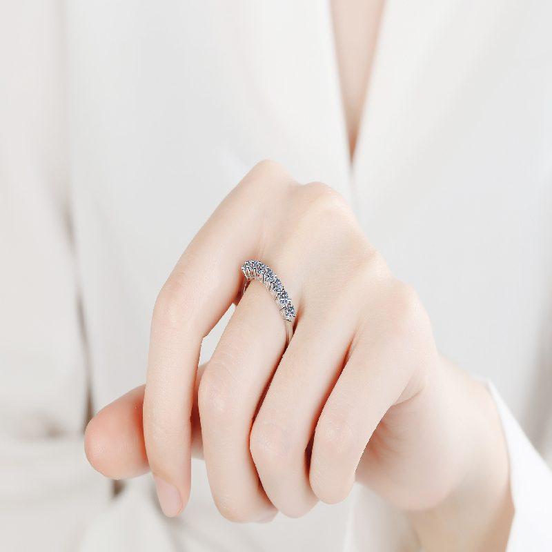 Nhẫn bạc mạ bạch kim đính đá Mossanite 0.7 carat LILI_855174-04