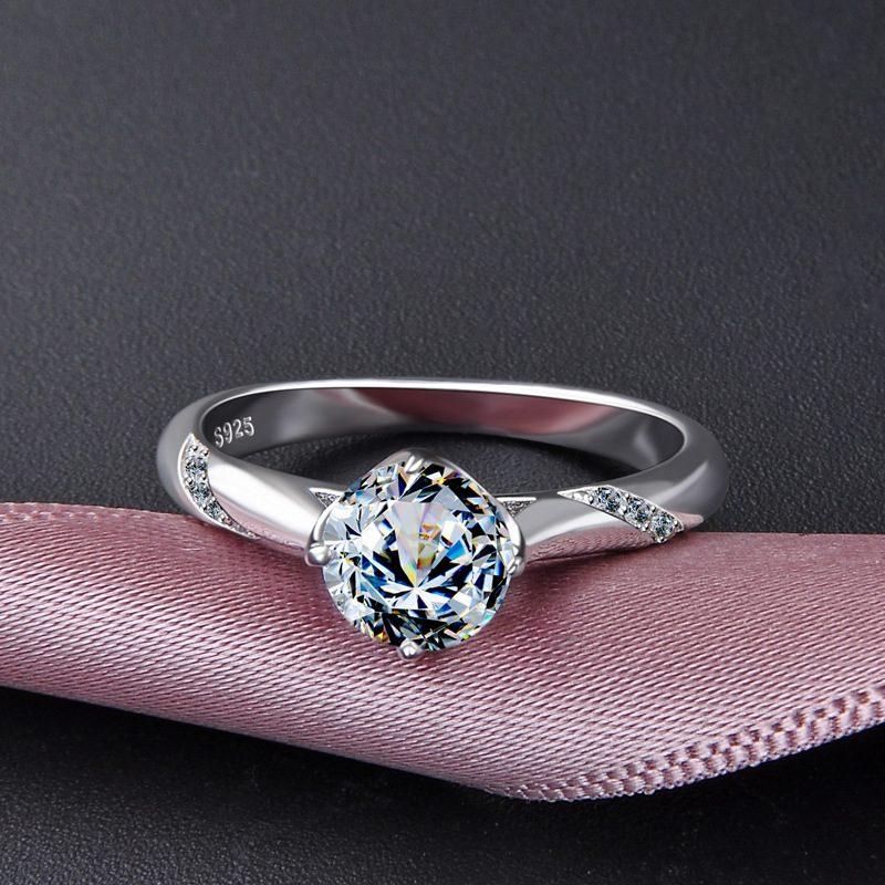 Nhẫn bạc mạ bạch kim đính đá Zircon Royal LILI_424258-01