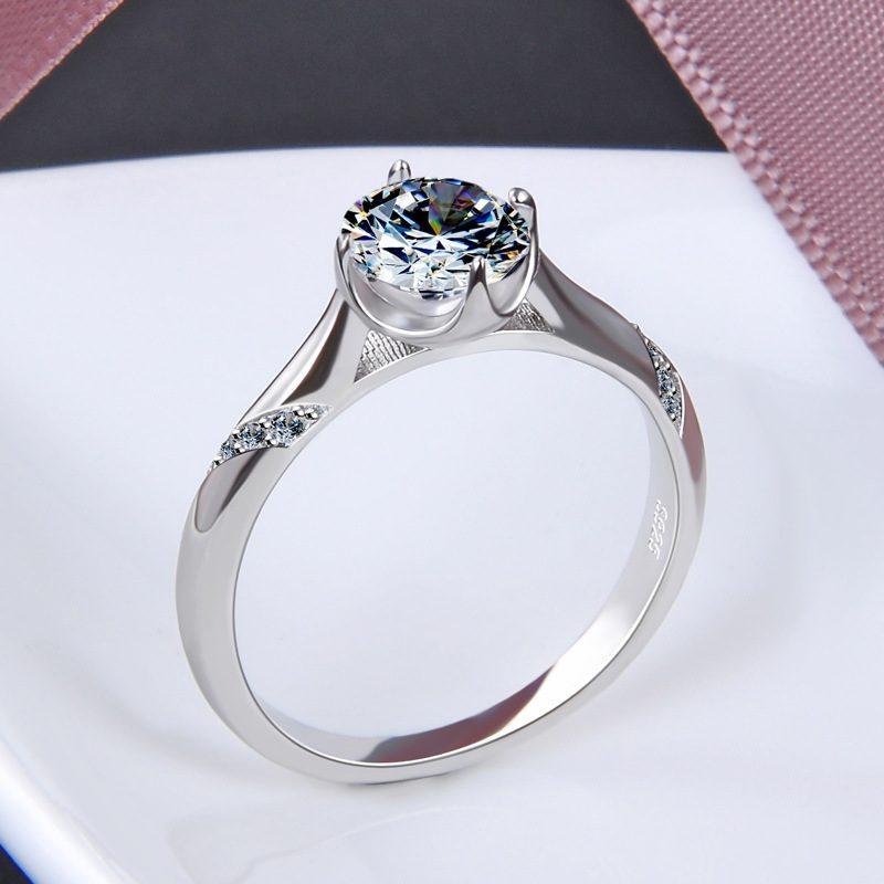Nhẫn bạc mạ bạch kim đính đá Zircon Royal LILI_424258-04