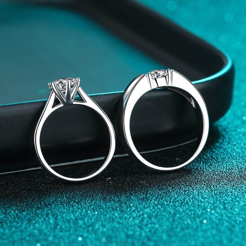 Nhẫn đôi bạc mạ bạch kim đính đá Mossanite 1 carat LILI_124837-02